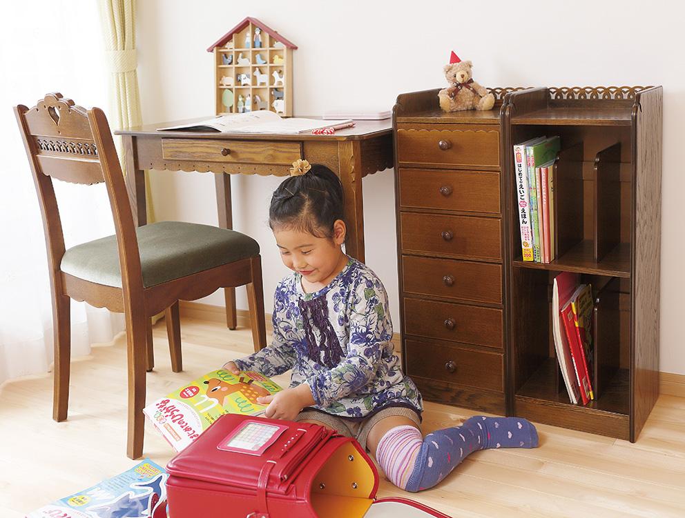 子供部屋の勉強机に大変身!